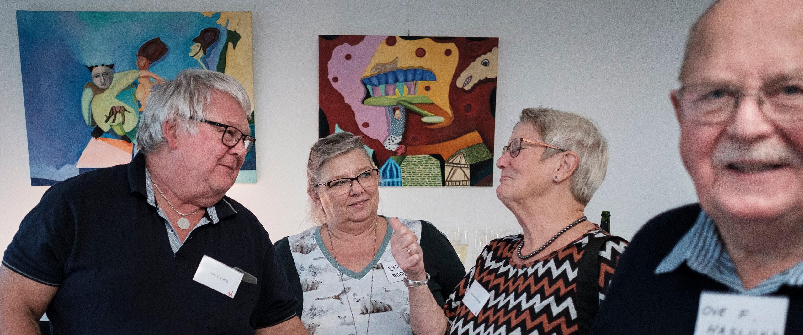ældre medlemmer af Myastenia Gravis gruppen hygger sig